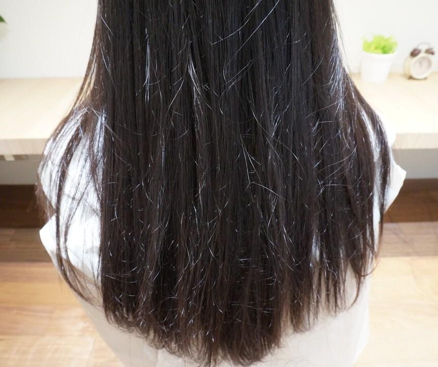 触るとわかる毛先まで「極潤」縮毛矯正